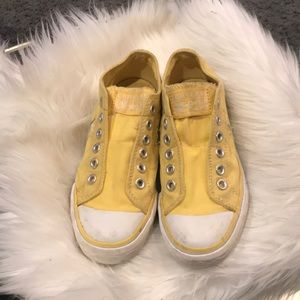 GUC Yellow slip-on converse size 6.5
